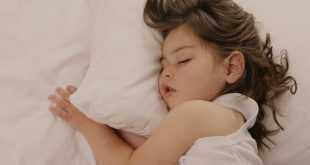 أساليب تعويد الطفل على النوم لوحده